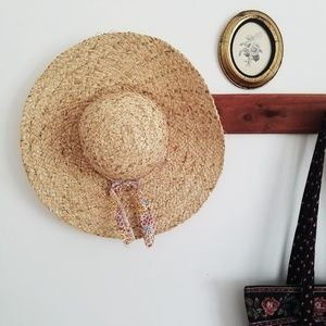 Betsey Johnson wide brim floppy ribbon straw hat